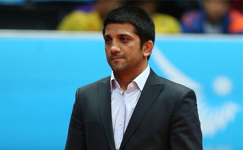 نباید برای هر قهرمان دنیا و المپیک کارت مربیگری صادر کرد