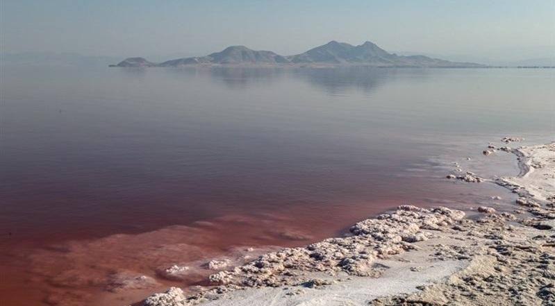 حجم آب دریاچه ارومیه دوباره کاهش یافت